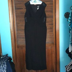 Adrianna Papell 14W full length black gown.